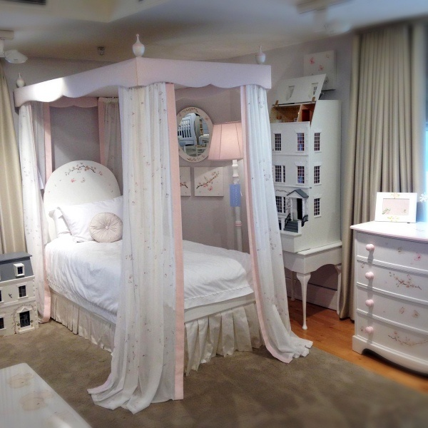Four Poster Bed - Add a Certain Magic To Children Bedroom-3